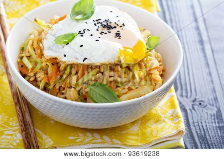 Fried rice with cabbage and carrot