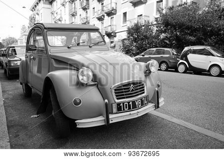 GENEVA - SEP 11: old Citroen car at Geneva downtown on September 11, 2014 in Geneva, Switzerland. Citroen is a major French automobile manufacturer, part of the PSA Peugeot Citroen group since 1976.