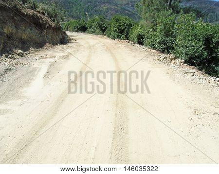 Dirt road aspect - to tar alpication