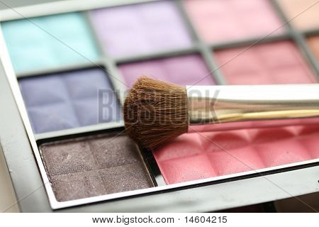 Brush On Eye Shadow Palet