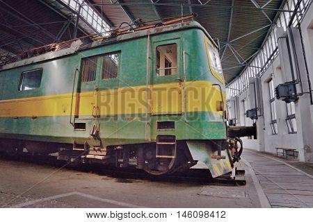 2016/08/28 - Chomutov Czech republic - green and yellow electric locomotive E422.0002