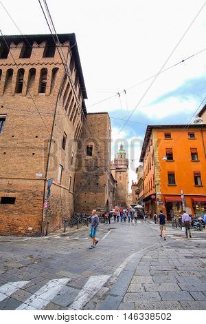 Bologna, Italia - June, 18, 2016: people in a center of Bologna, Italy