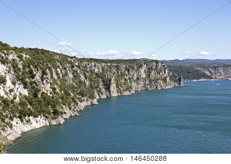 The Duino cliffs are made of carbonate rocks created by the sedimentation of animal shells on the bottom of a shallow sea