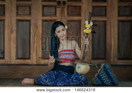The girl in the class and a good melody to traditional Thailand.