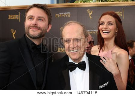 LOS ANGELES - SEP 10:  Chris Hardwick, Bob Newhart, Lydia Hearst at the 2016 Creative Arts Emmy Awards - Day 1 - Arrivals at the Microsoft Theater on September 10, 2016 in Los Angeles, CA