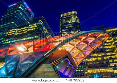Illuminated Crossrail Place In Canary Wharf