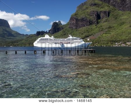 Ship In Tahiti