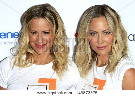 LOS ANGELES - SEP 9:  Brittany Daniel, Cynthia Daniel at the 5th Biennial Stand Up To Cancer at the Walt Disney Concert Hall on September 9, 2016 in Los Angeles, CA
