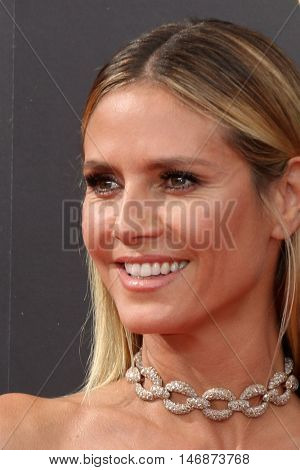 LOS ANGELES - SEP 11:  Heidi Klum at the 2016 Primetime Creative Emmy Awards - Day 2 - Arrivals at the Microsoft Theater on September 11, 2016 in Los Angeles, CA