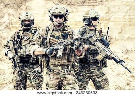 Group Portrait Of Us Army