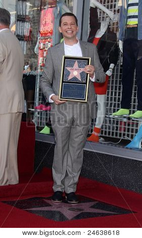 LOS ANGELES - SEP 18:   Jon Cryer arrives to the Walk of Fame - JON CRYER  on September 27,2011 in Hollywood, CA