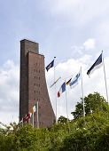 picture of labo  - Naval Memorial building at Laboe - JPG