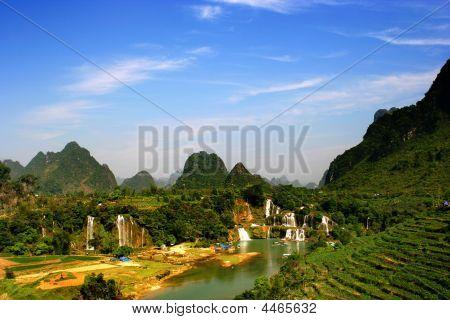 Detian Waterfall ,guangxi, China