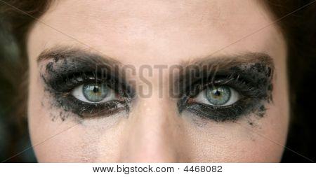 Green Eyes Woman, Black Makeup Eye Shadow