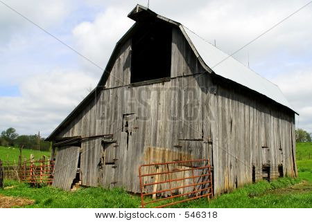 Old Barn Horizontal