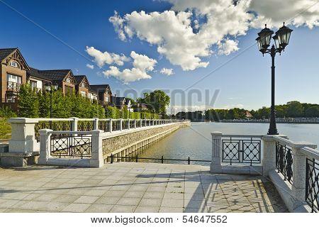 Embankment Of Lake Verhnee (until 1949 Oberteich). Kaliningrad (until 1946 Koenigsberg), Russia