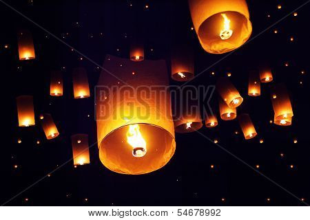 People Launch Sky Lanterns To The Sky In Loy Kratong Festival