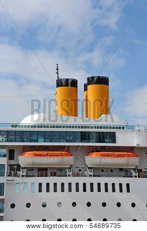 Safety lifeboat and chimney