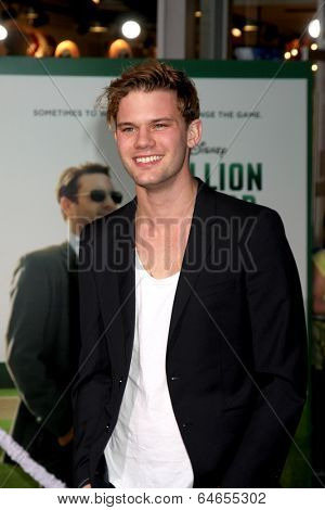 LOS ANGELES - MAY 6:  Jeremy Irvine at the