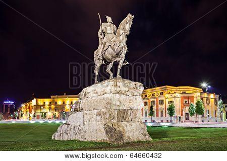 Skanderberg Statue