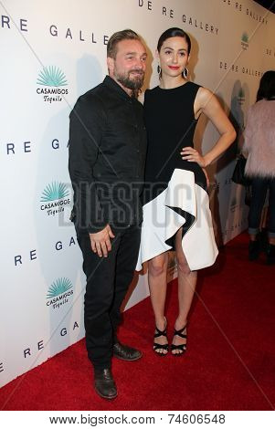 LOS ANGELES - OCT 23:  Brian Bowen Smith, Emmy Rossum at the De Re Gallery & Casamigos Host The Opening Brian Bowen Smith's