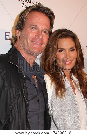 LOS ANGELES - OCT 23:  Rande Gerber, Cindy Crawford at the Opening of Brian Bowen Smith's