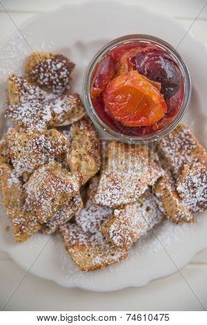Kaiserschmarrn - German pancakes with plums