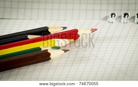 Spiral Notepad With Set Of Color Pencils