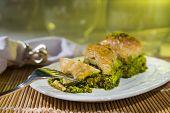 foto of baklava  - t�rkerlin vazge�ilmez tatl?s? 32 katl? baklava ve ?erbeti ** Note: Visible grain at 100%, best at smaller sizes - JPG