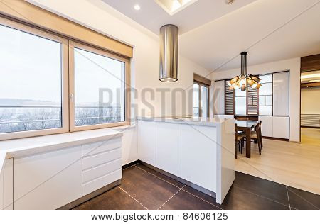 Urban Apartment -kitchen With Dining Table