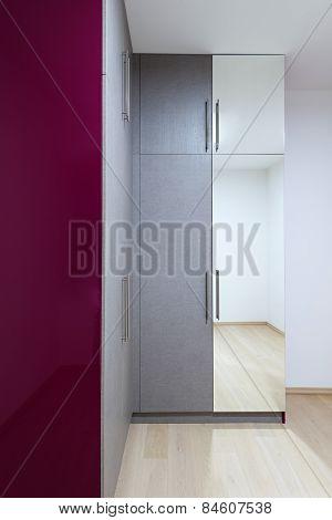 Wardrobe Furnishing In Small Room