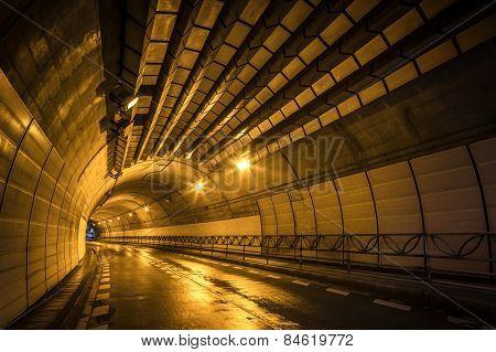 Night tunnel