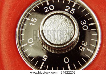 Combination lock numbers on dial