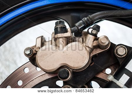 Dirty Sport Bike's Disc Brake With Calipers