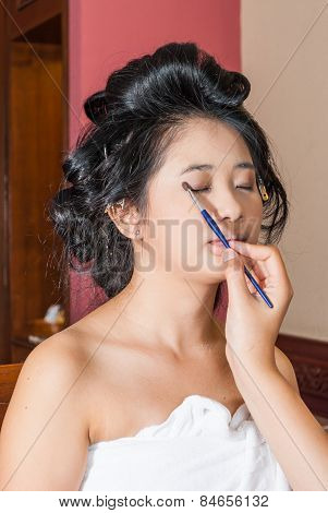 Asian Thai Girl Getting Eye Shadow On Eyelids