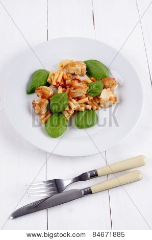 Maccaroni With Chicken Goulash And Basil