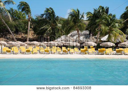 Pinel Island Paradise