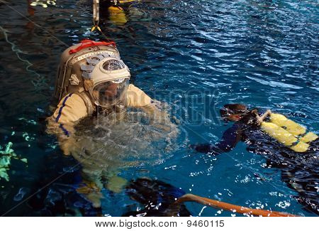 Jeff Williams In The Water For Spacewalk Training