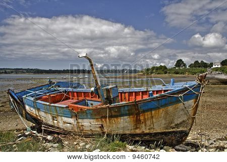 An abandonned shipwreck