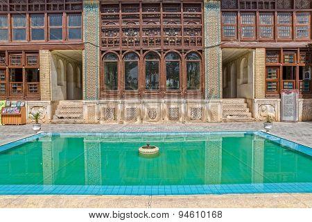 Zinat ol Molk House main room windows