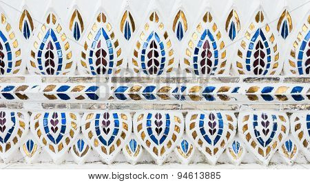 Leaves Stucco With Color Glass