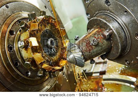 metalworking industry: conic tooth gear wheel machining by hob cutter mill tool