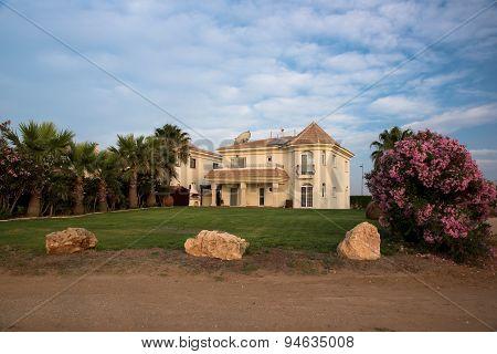 Beautiful Holiday Residency
