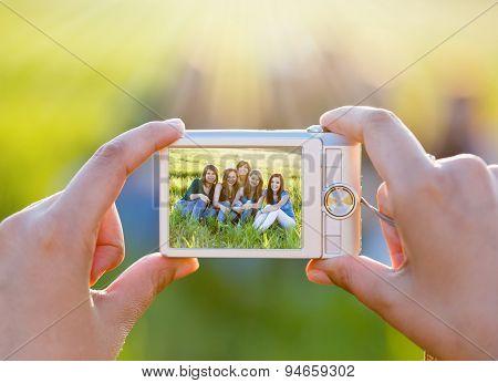 Takibg A Picture Wit Digital Camera
