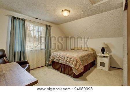 Simplistic Bedroom With Window And Bed.