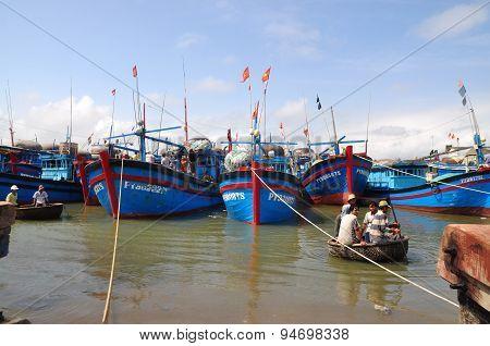 Phu Yen, Vietnam - February 28, 2012: Local Fishing Boats Are Mooring In The Tuy Hoa Seaport