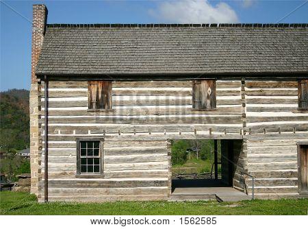 18Th Century House
