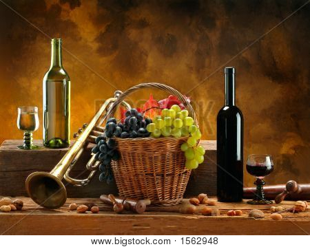 Stilllife_Wine_Trumpets