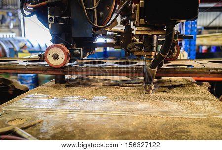 Submerged arc welding process in steel industry