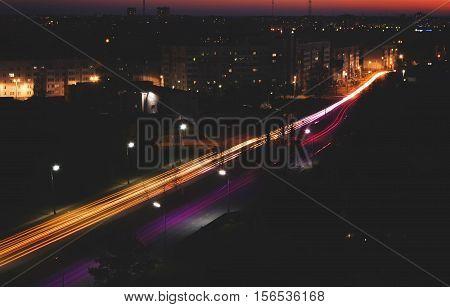 Идеальный ночной вид с крыши 12 этажного дома